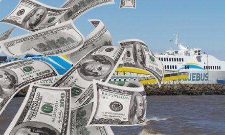 """Regresan al país los dólares de argentinos """"encanutados"""" en las cuentas de bancos uruguayos"""