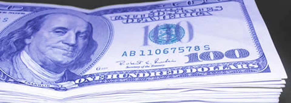 """El dólar marginal ya """"tantea"""" los 20 pesos"""