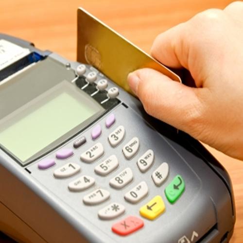 Devolución del 5% del IVA para las compras con débito se prorroa otro año más
