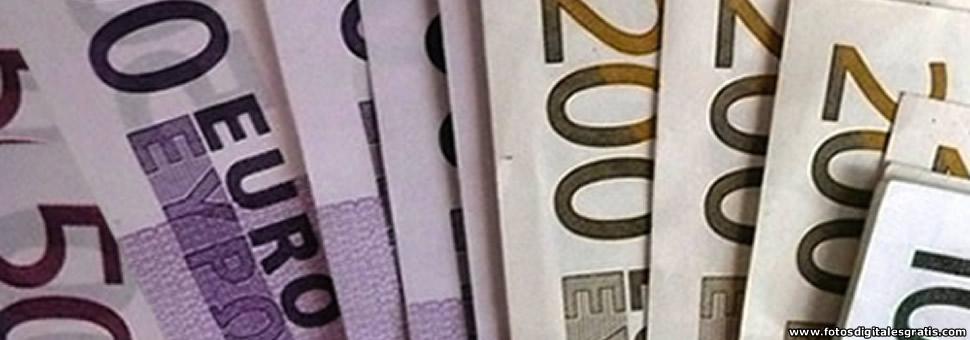 Euro cae a su valor más bajo en 11 años frente al dólar