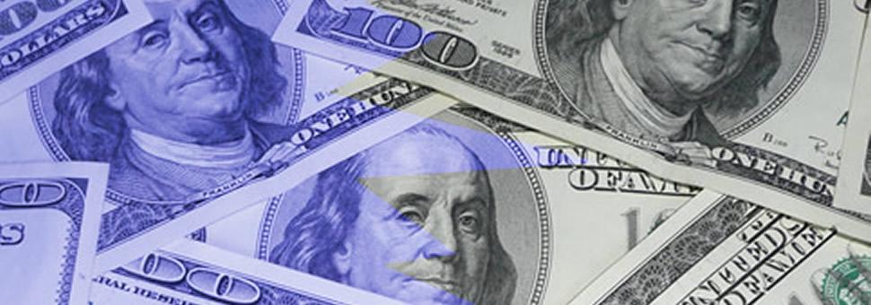 """Paradoja del blanqueo: dólar oficial, mucho más caro que el """"blue"""""""