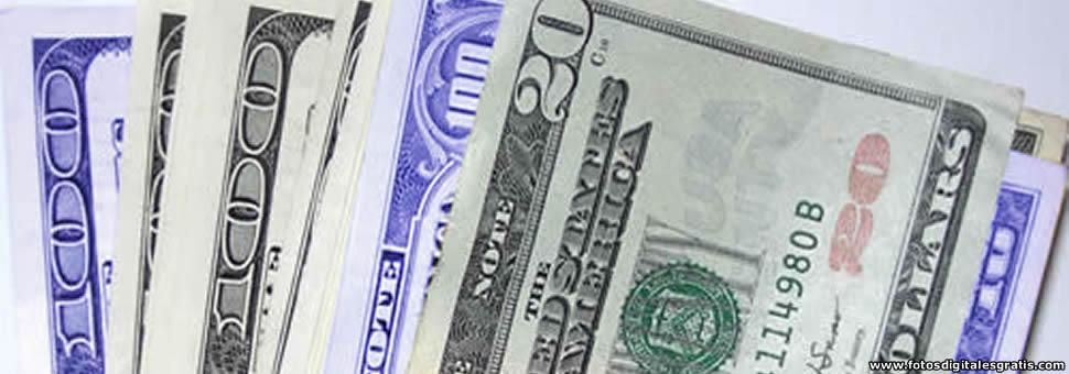 Comprar dólar blue es más barato que el oficial en bancos