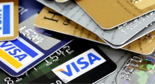 Efectivo o tarjeta: anuncian hoy plan para comprar más barato en un pago