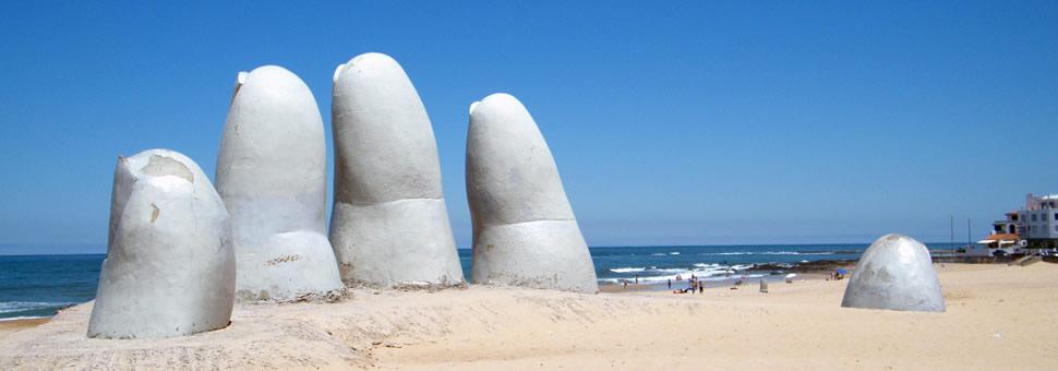 Dólar turista :  en Uruguay ofrecen tarjetas prepagas para evitar el impuesto del 30%