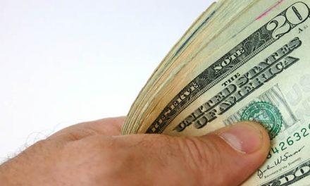 Desde marzo comercios e individuos podrán vender dólares legalmente