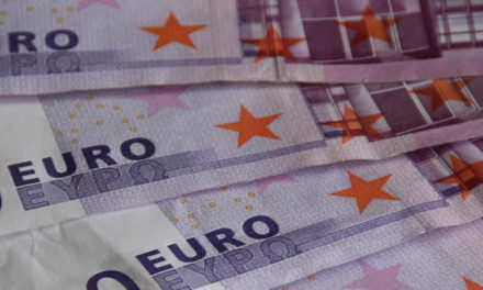 El número de billetes de euro falsos cae 6,2% en la primera mitad de 2017