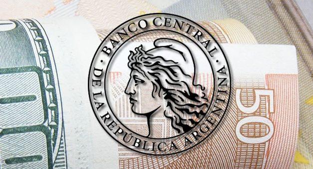 BCRA obtiene vía libre para liberar la actividad de casas de cambio