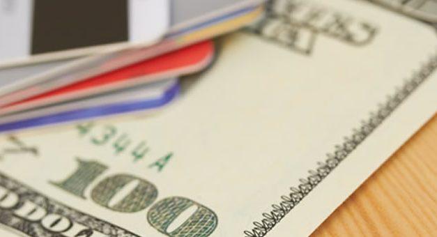 Dólar tarjeta : cuanto gastan los argentinos con sus tarjetas de crédito fuera del país ?