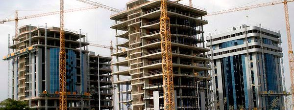 El costo de construcción sigue bajo en dólares debido a la devaluación