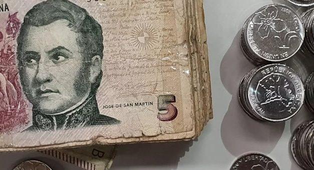 Extienden hasta fin de febrero la validez de los billetes de 5 pesos