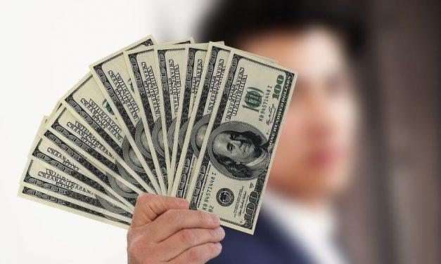 Empresas se aprovisionan de dólares financieros para fijar sus precios