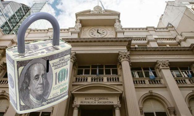 Cupo de 200 dólares : empleados que cobraron ATP no podrán comprar